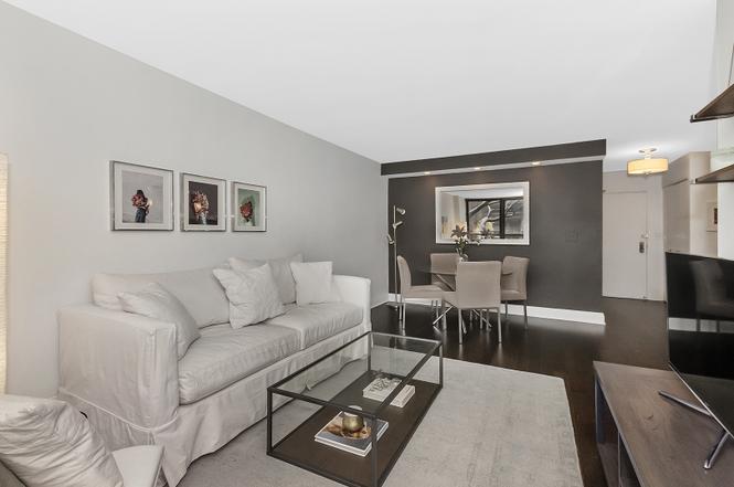 222 Pearson Living Room