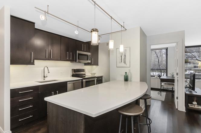 222 Pearson kitchen
